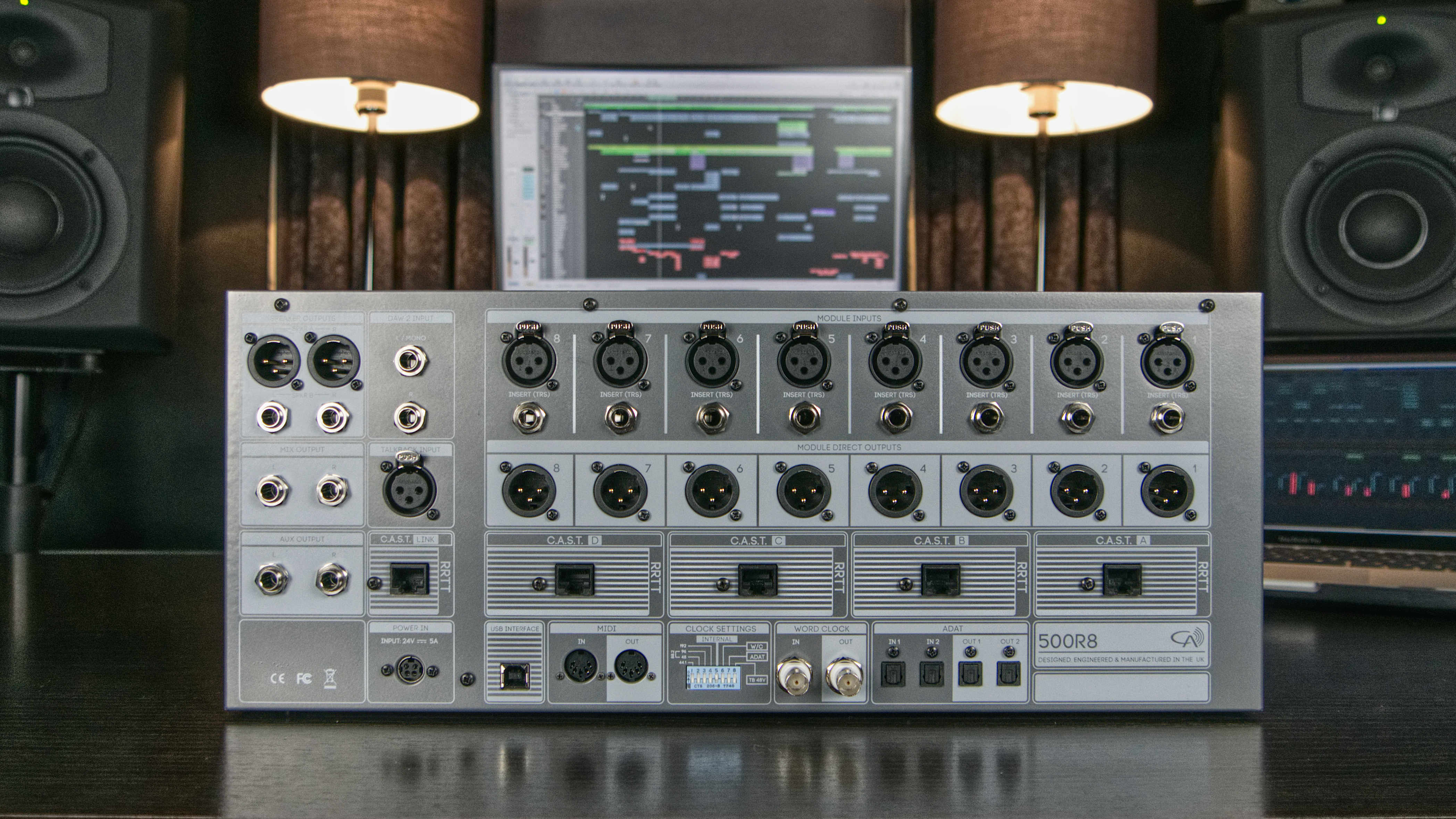 500R8_Back_Studio