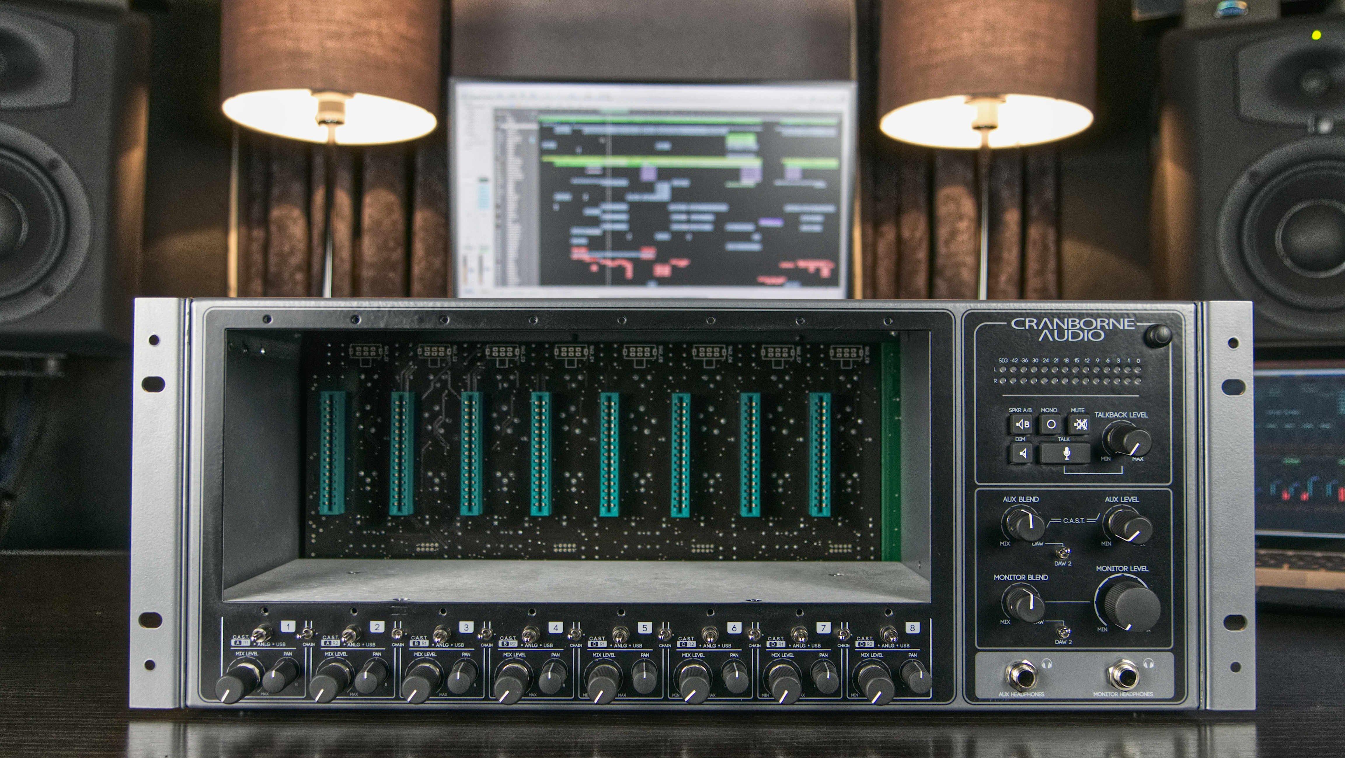 500R8_Front_Studio